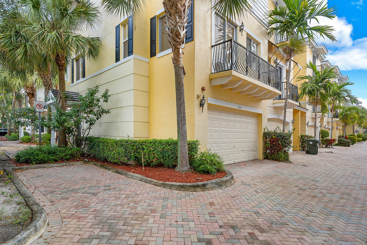 3639 NW 5TH Terrace Boca Raton, FL 33431