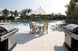 4883 Pga Boulevard, 301, Palm Beach Gardens, FL 33418