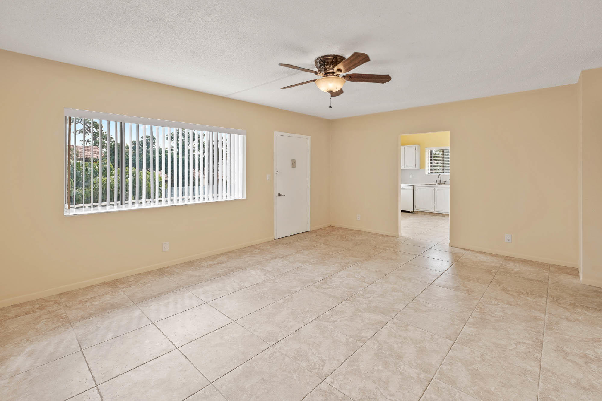 6289 Lear Drive, Lake Worth, Florida 33462, 3 Bedrooms Bedrooms, ,2 BathroomsBathrooms,Condo/Coop,For Sale,Lear,4,RX-10486466