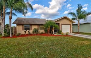 4161 SE Jacaranda Street, Stuart, FL 34997