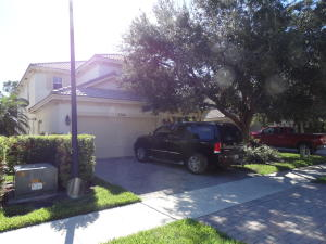 5744 SE Crooked Oak Avenue