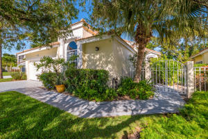 13909 Palm Grove Place, Palm Beach Gardens, FL 33418