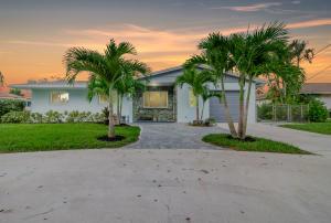 7911 W Lake Drive, Lake Clarke Shores, FL 33406