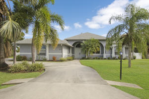 2135 SE Harding Street, Port Saint Lucie, FL 34952