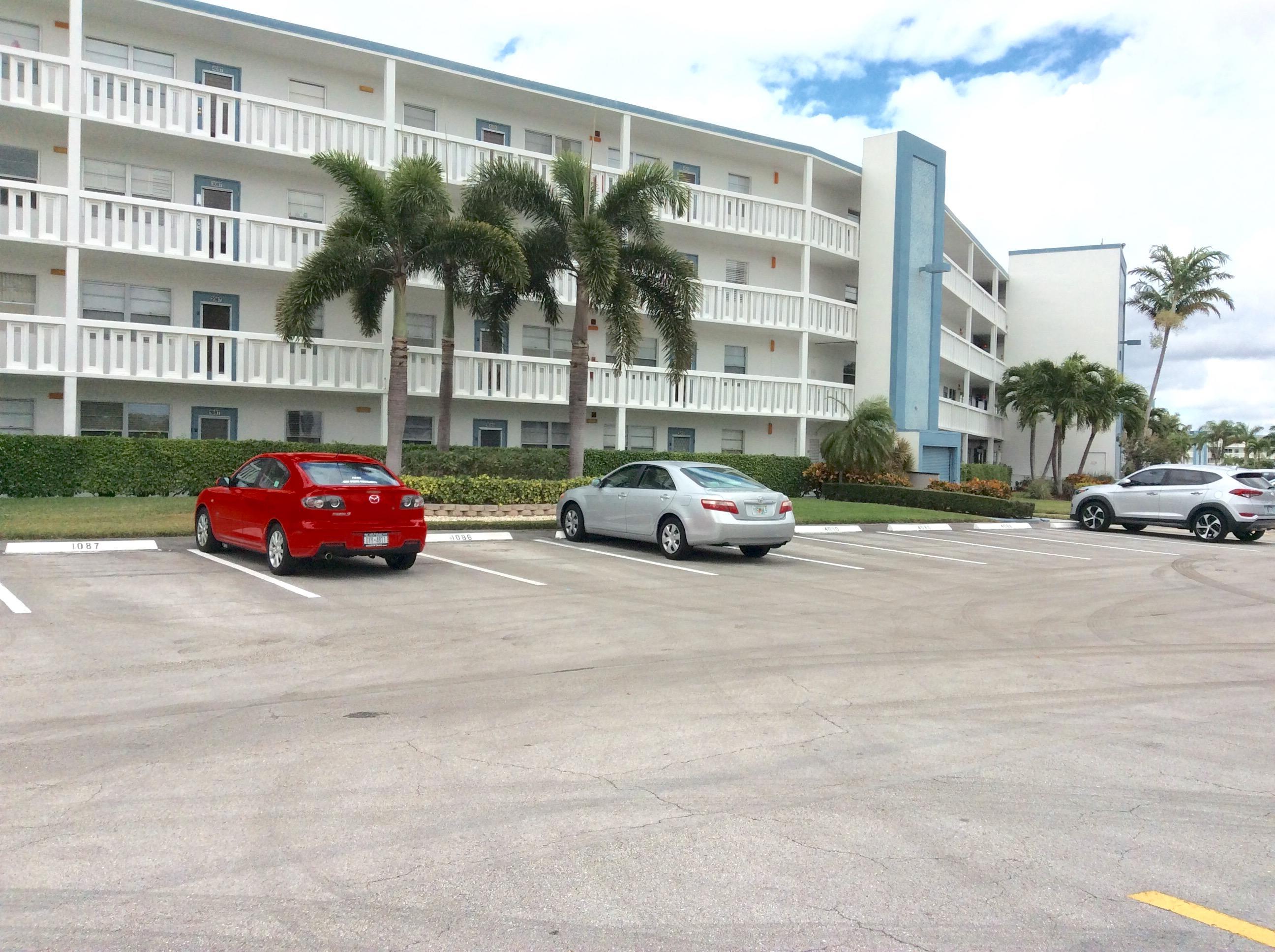 1085 Exeter #1085 Boca Raton, FL 33434