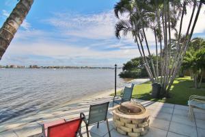 1430 S Lakeside Drive, 23, Lake Worth, FL 33460