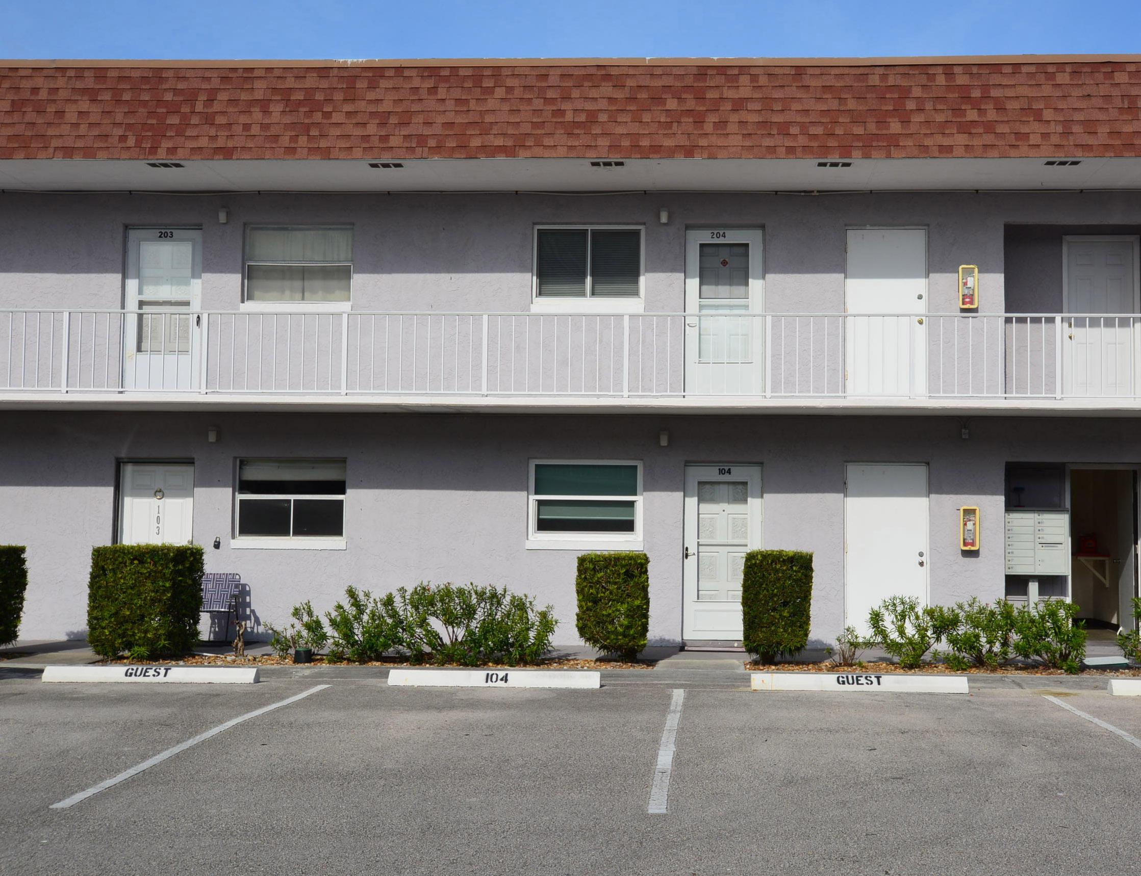 1225 Carlton Court, Fort Pierce, Florida 34949, 1 Bedroom Bedrooms, ,1.1 BathroomsBathrooms,Condo/Coop,For Sale,Carlton,2,RX-10486984