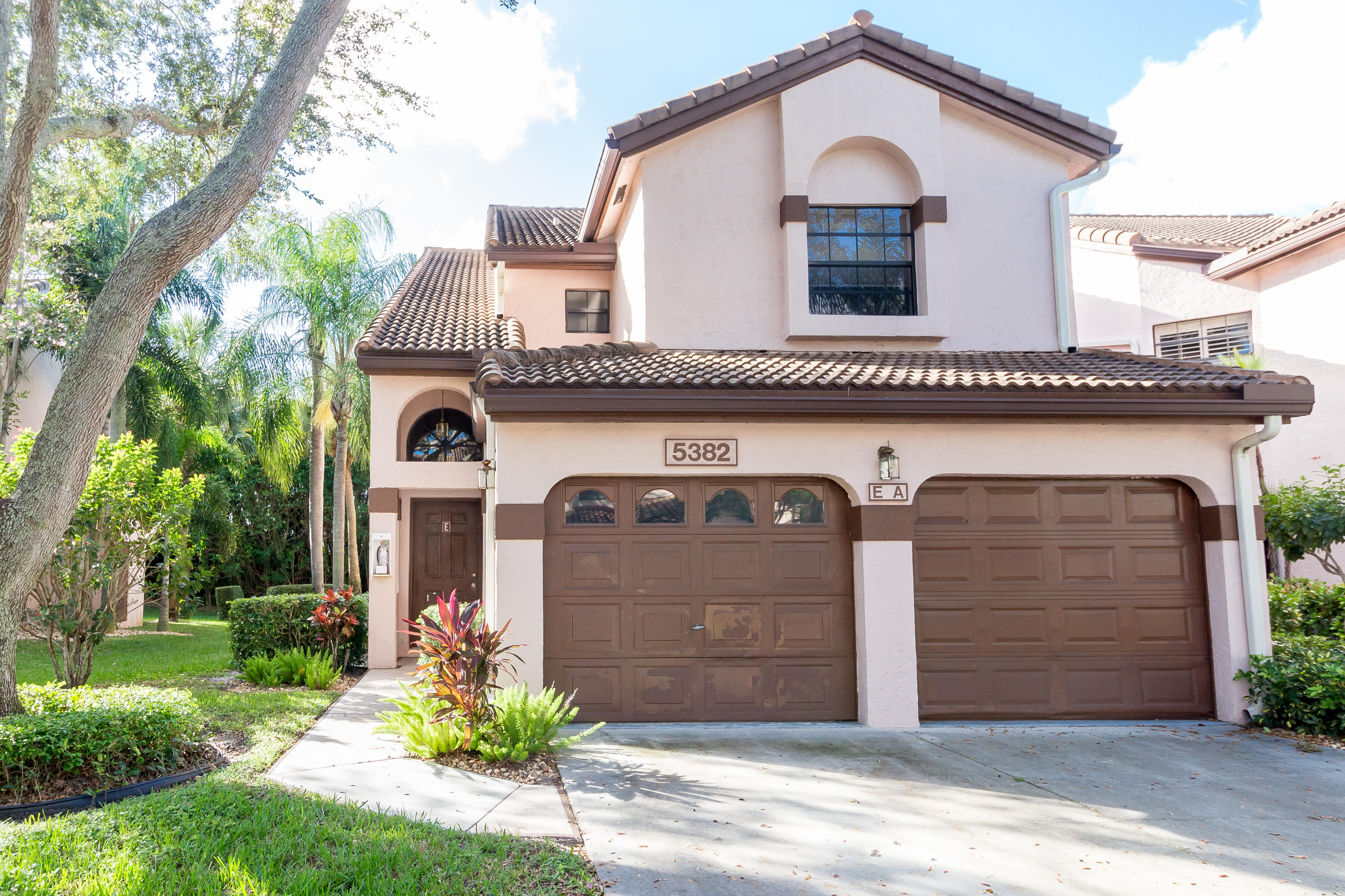 5382 Venetia Court, Boynton Beach, Florida 33437, 3 Bedrooms Bedrooms, ,2 BathroomsBathrooms,Townhouse,For Sale,Alexandra Village,Venetia,2,RX-10487323