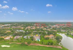 5100 Woodland Lakes Drive, Palm Beach Gardens, FL 33418
