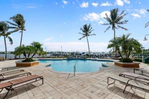 127 Yacht Club Way, 107, Hypoluxo, FL 33462