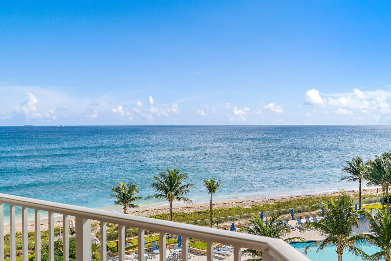 5200 Ocean Drive, Singer Island, Florida 33404, 3 Bedrooms Bedrooms, ,3 BathroomsBathrooms,Condo/Coop,For Sale,Corniche,Ocean,5,RX-10487986