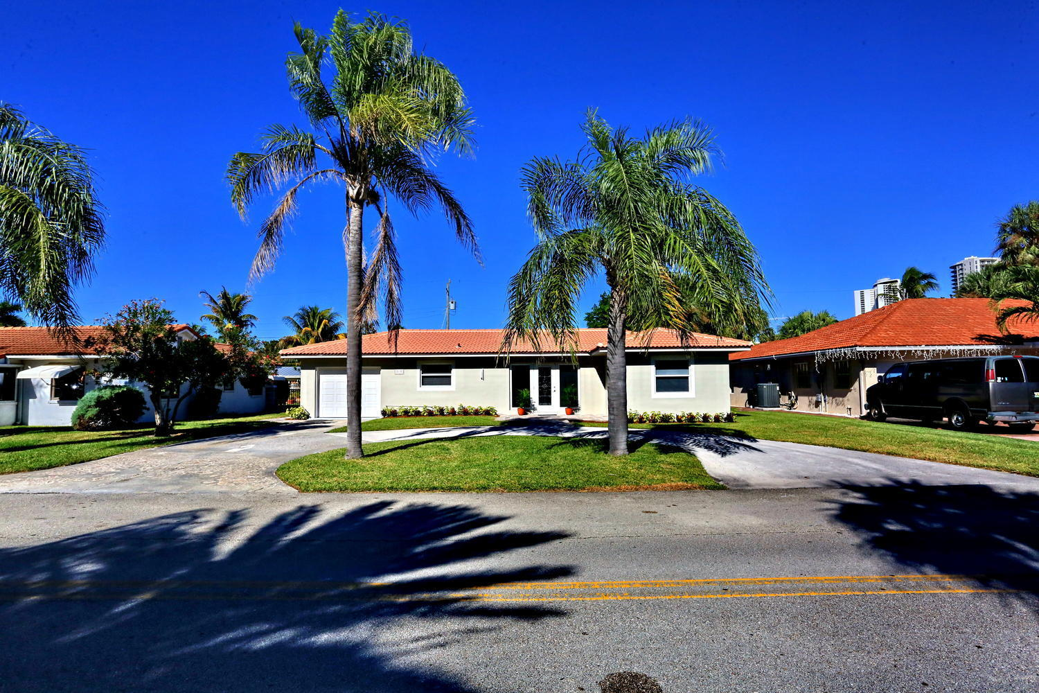 319 Bamboo Rd Palm Beach-large-003-18-Ex