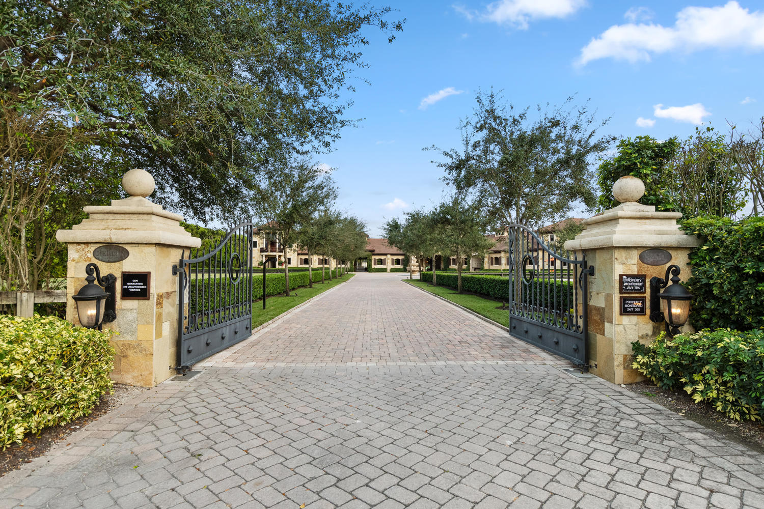 Wellington, Florida 33414, 4 Bedrooms Bedrooms, ,5 BathroomsBathrooms,Residential,For Sale,Olde Hampton,RX-10489267