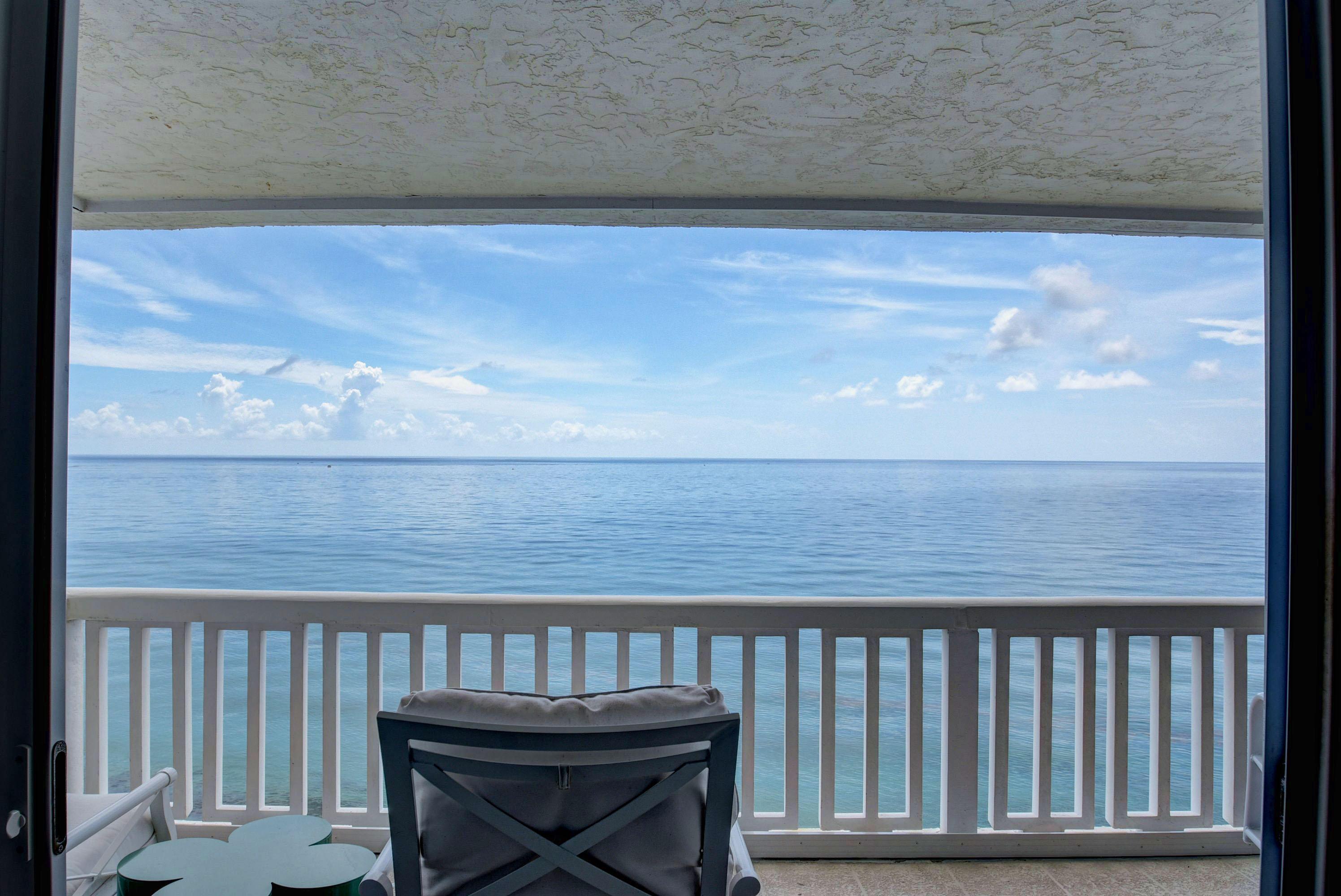 direct ocean view from livingroom