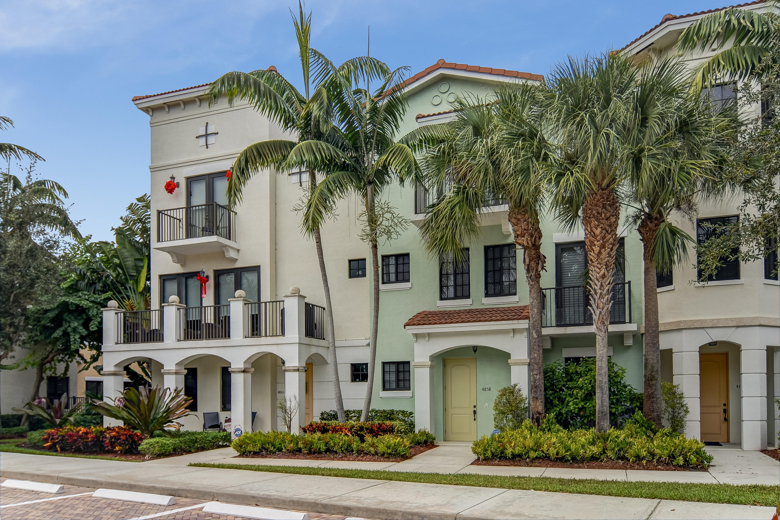 4858 16 Avenue, Boca Raton, Florida 33431, 3 Bedrooms Bedrooms, ,3 BathroomsBathrooms,Townhouse,For Sale,CENTRA Blue Lake Townhomes,16,RX-10485643