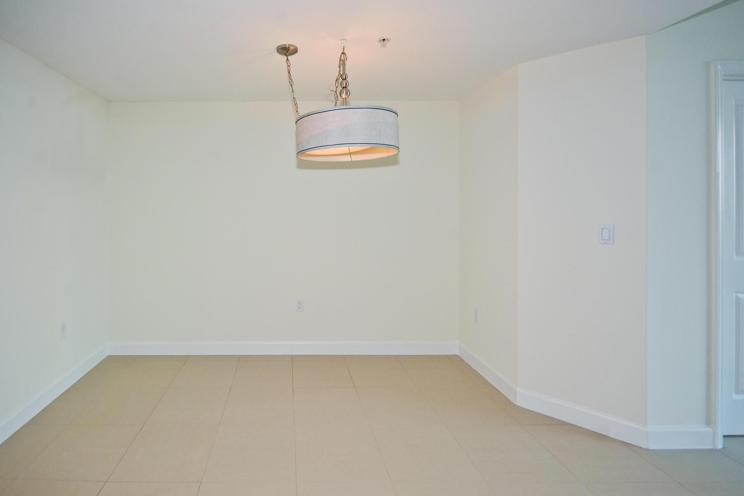 480 Hibiscus Street 336