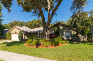 2551 N Pepperwood Circle, North Palm Beach, FL 33410