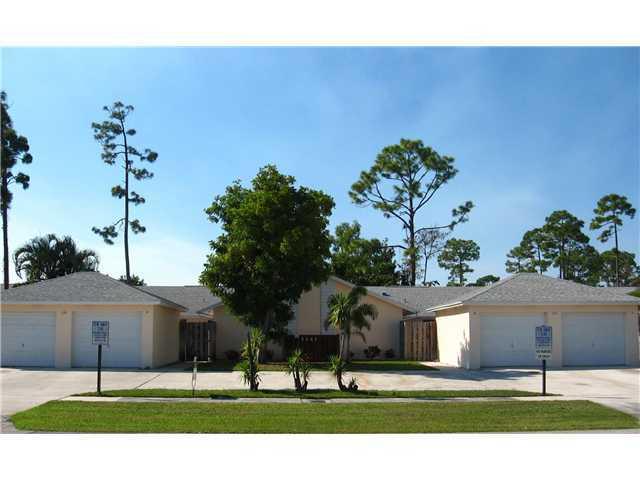 1141 Hyacinth Place, Wellington, Florida 33414, 3 Bedrooms Bedrooms, ,2 BathroomsBathrooms,Villa,For Rent,SUGAR POND MANOR,Hyacinth,1,RX-10490375
