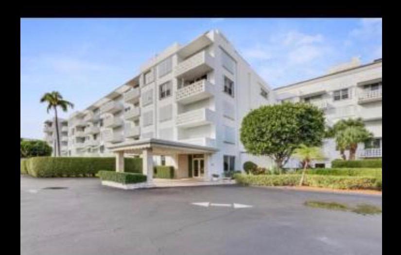 2840 Ocean Boulevard, Palm Beach, Florida 33480, 1 Bedroom Bedrooms, ,1 BathroomBathrooms,Condo/Coop,For Sale,Royal Saxon,Ocean,3,RX-10490220