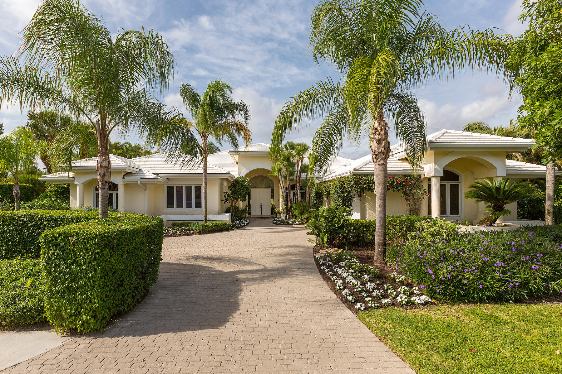 2579 Fairway Island Drive, Wellington, Florida 33414, 5 Bedrooms Bedrooms, ,5.1 BathroomsBathrooms,Single Family,For Sale,PALM BEACH POLO,Fairway Island,RX-10490592