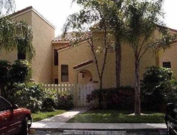 22302 Pineapple Walk Drive Boca Raton, FL 33433
