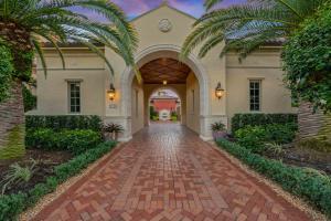 Front driveway entrance