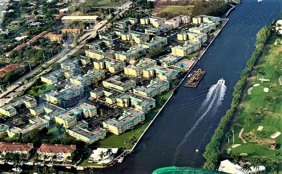 12 Colonial Club Drive, Boynton Beach, Florida 33435, 1 Bedroom Bedrooms, ,1.1 BathroomsBathrooms,Condo/Coop,For Sale,Colonial Club,Colonial Club,1,RX-10485123