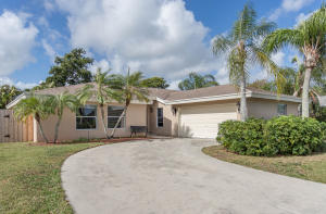 17711 Foxwood Way Boca Raton FL 33487
