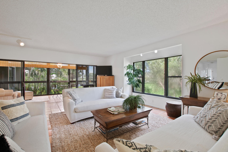 13329 Polo Club Road, Wellington, Florida 33414, 3 Bedrooms Bedrooms, ,3 BathroomsBathrooms,Condo/Coop,For Sale,PALM BEACH POLO & CC,Polo Club,2,RX-10410789