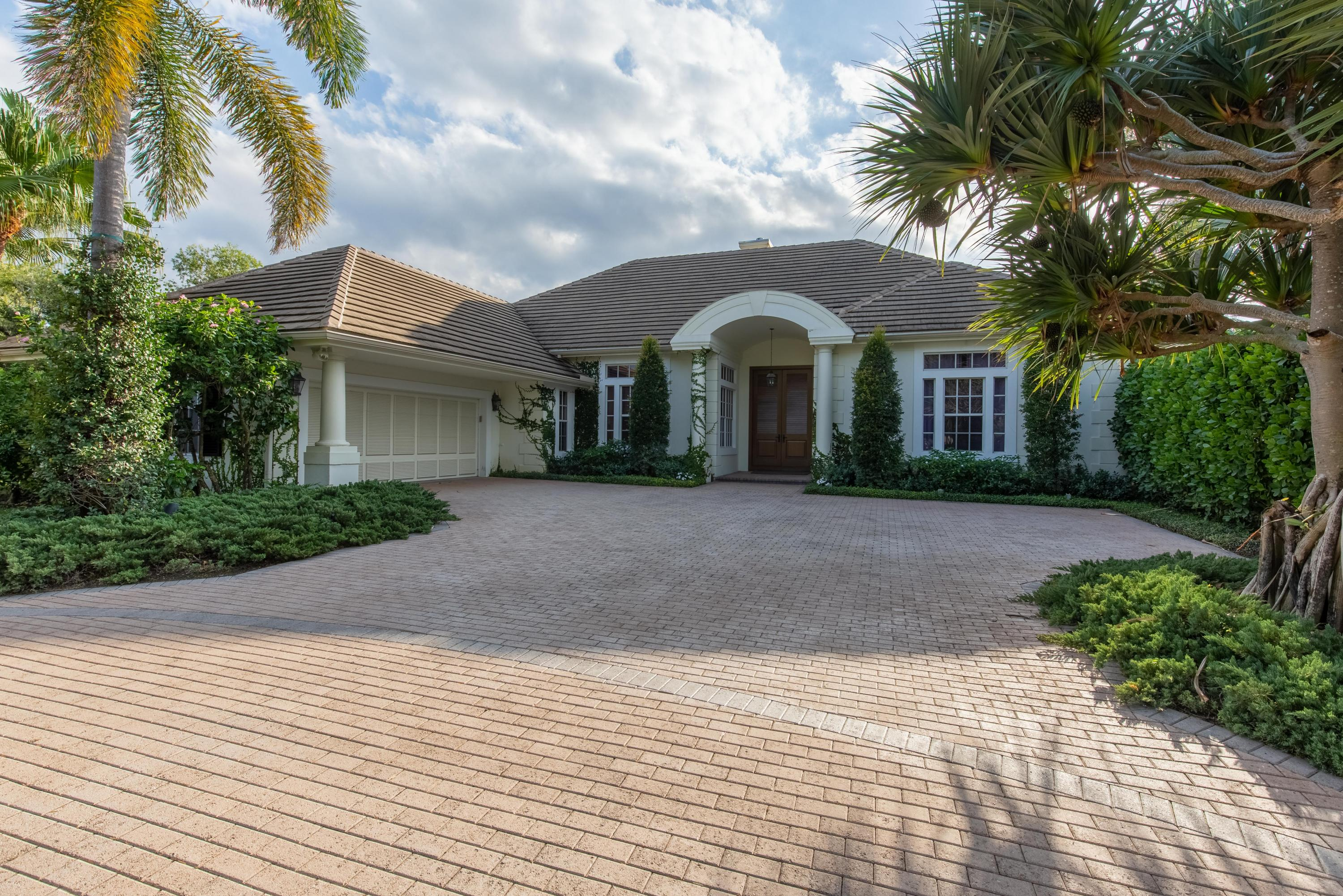 2369 Newbury Court, Wellington, Florida 33414, 4 Bedrooms Bedrooms, ,3 BathroomsBathrooms,Single Family,For Sale,POLO WEST,Newbury,RX-10492176