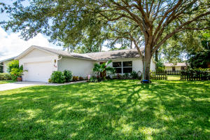 114 Village Circle, Jupiter, FL 33458
