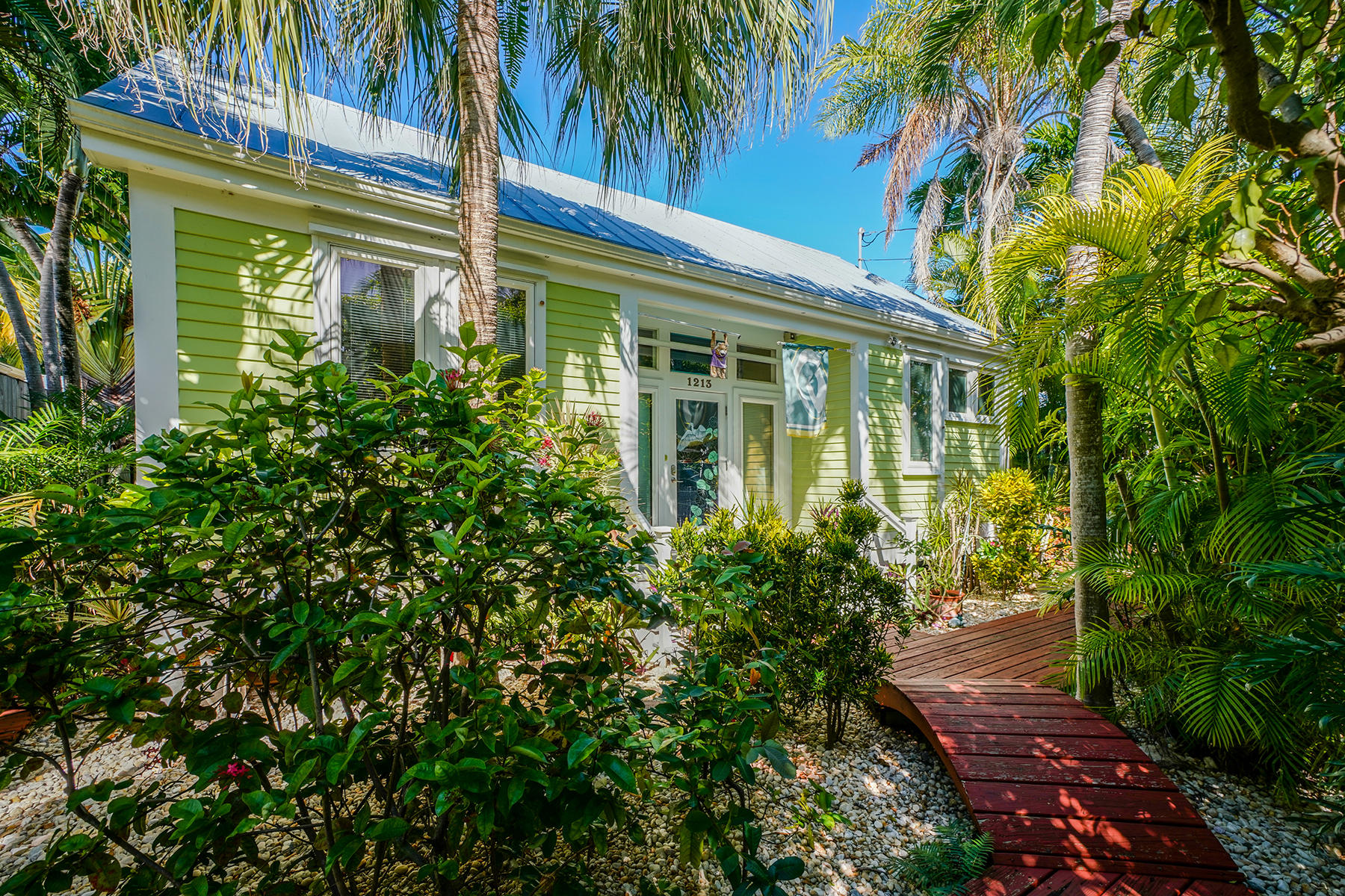 1213 Washington Street, Key West, Florida 33040, 2 Bedrooms Bedrooms, ,2 BathroomsBathrooms,Single Family,For Sale,Washington,RX-10492329