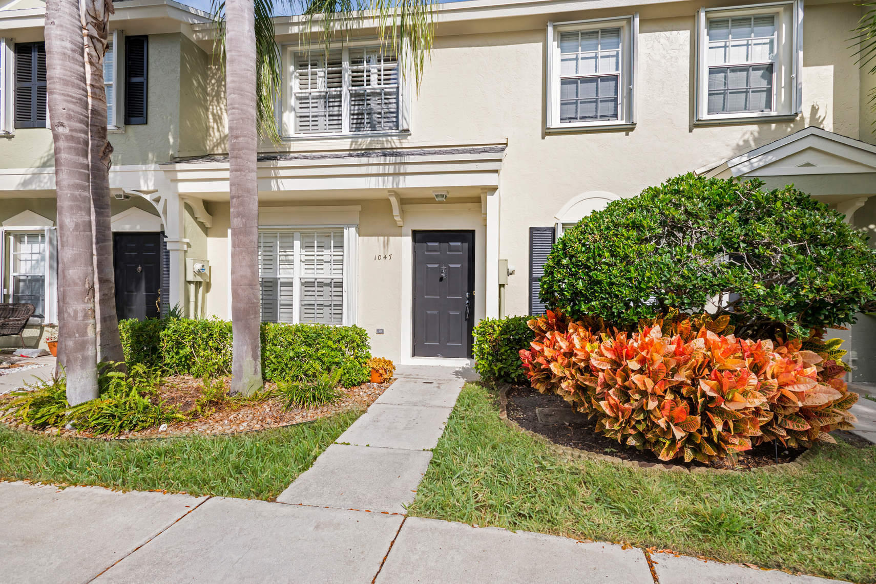 1047 Kokomo Key Lane, Delray Beach, Florida 33483, 2 Bedrooms Bedrooms, ,1.1 BathroomsBathrooms,Townhouse,For Sale,Kokomo Key,Kokomo Key,RX-10492958