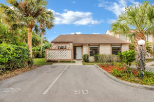 120 Sherwood Circle, 9d, Jupiter, FL 33458