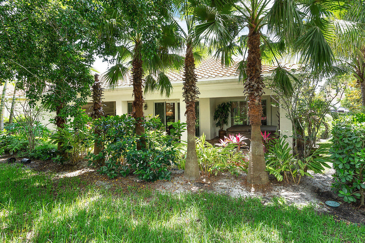 12211 Sunnydale Drive, Wellington, Florida 33414, 4 Bedrooms Bedrooms, ,4 BathroomsBathrooms,Single Family,For Sale,Hunters Chase - Polo Club,Sunnydale,1,RX-10493648