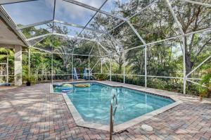 19510 Saturnia Lakes Drive Boca Raton FL 33498