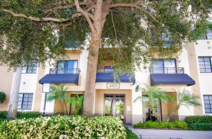 4905 Midtown Lane Palm Beach Gardens FL 33418