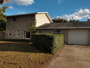 8150 SE Crossrip Street, Hobe Sound, FL 33455
