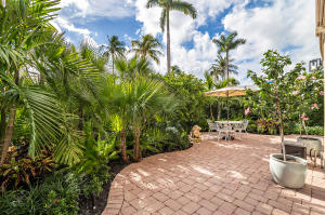 369 S Lake Drive, 1f, Palm Beach, FL 33480