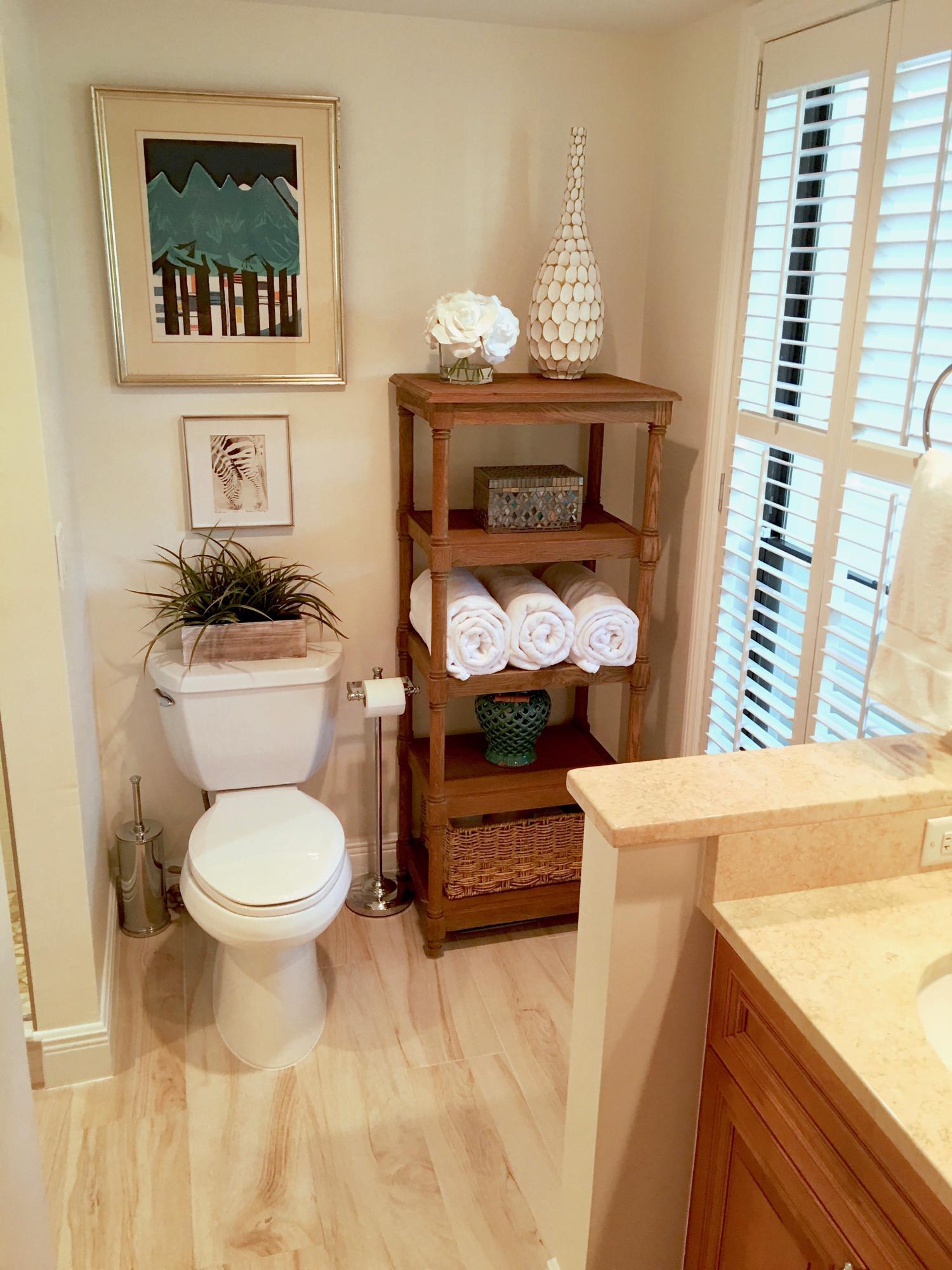 Wellington- Florida 33414, 2 Bedrooms Bedrooms, ,2 BathroomsBathrooms,Residential,For Sale,Pebblewood,RX-10494317