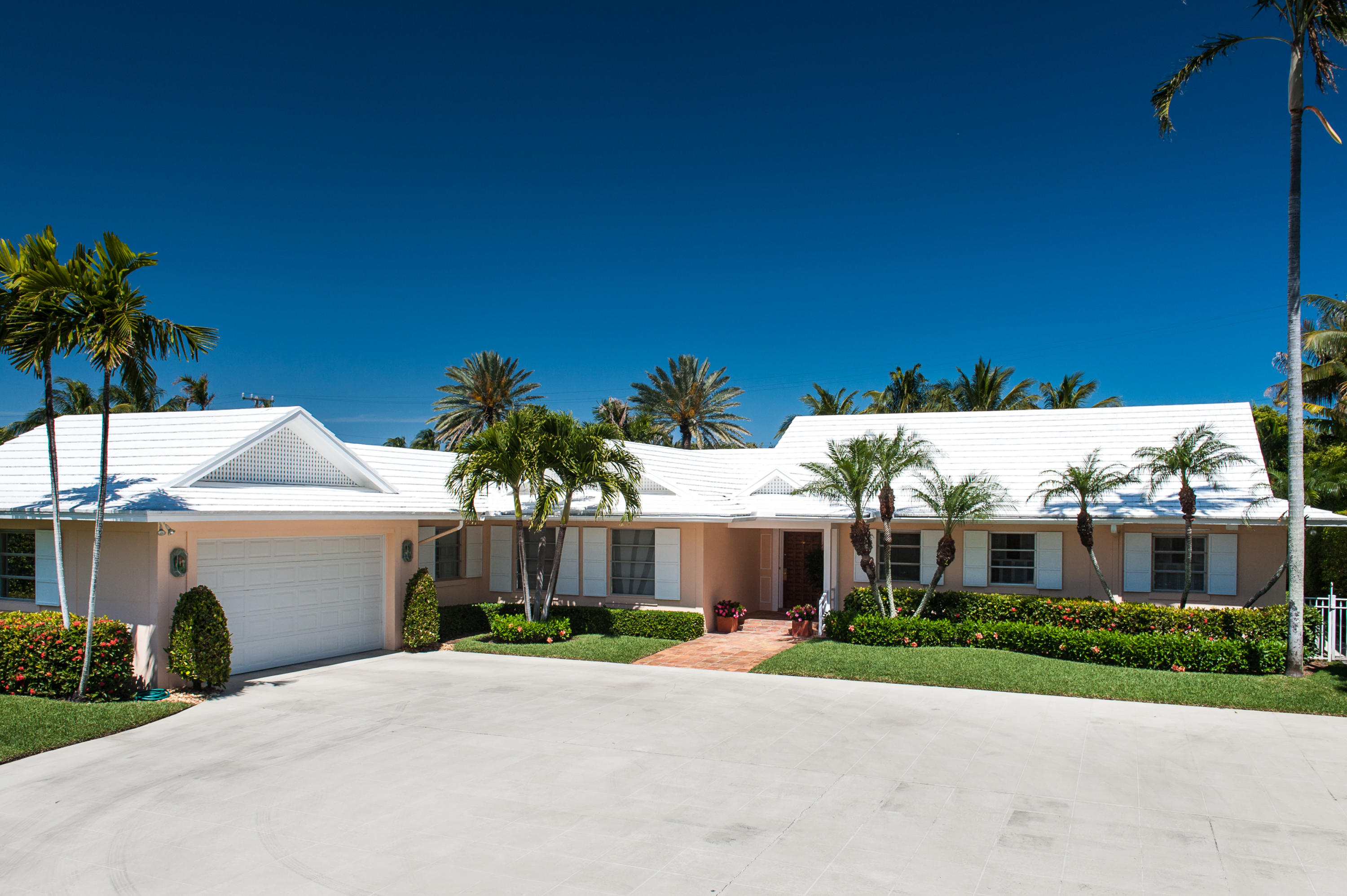 225 Tangier Avenue, Palm Beach, Florida 33480, 5 Bedrooms Bedrooms, ,5 BathroomsBathrooms,Single Family,For Sale,Tangier,RX-10494431