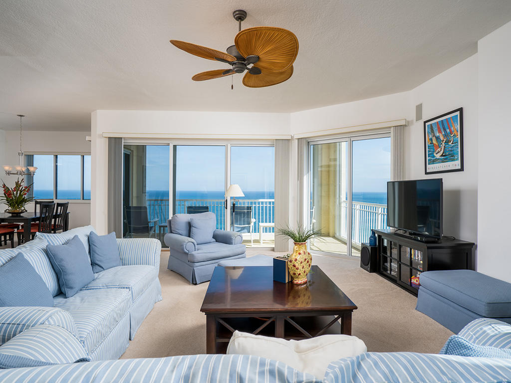 LIVING ROOM W/OCEAN VIEW