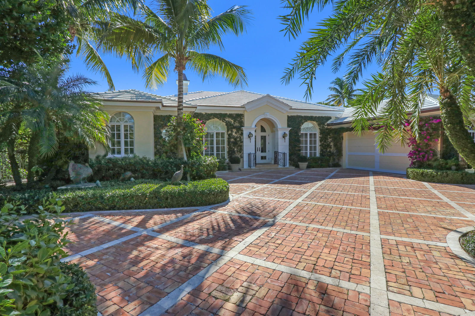 232 Sandpiper Drive, Palm Beach, Florida 33480, 3 Bedrooms Bedrooms, ,5.1 BathroomsBathrooms,Single Family,For Sale,Sandpiper,RX-10493810