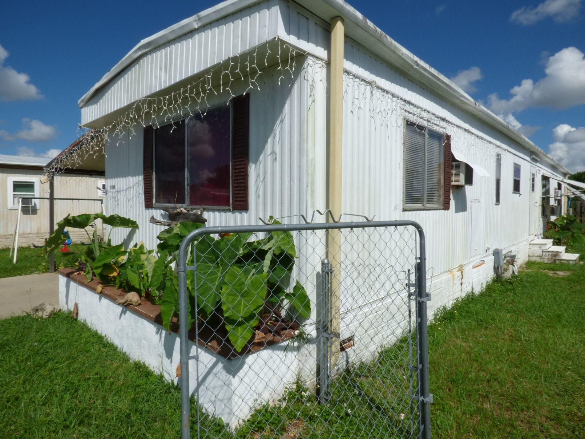 11899 Atlantic Circle Boca Raton, FL 33433