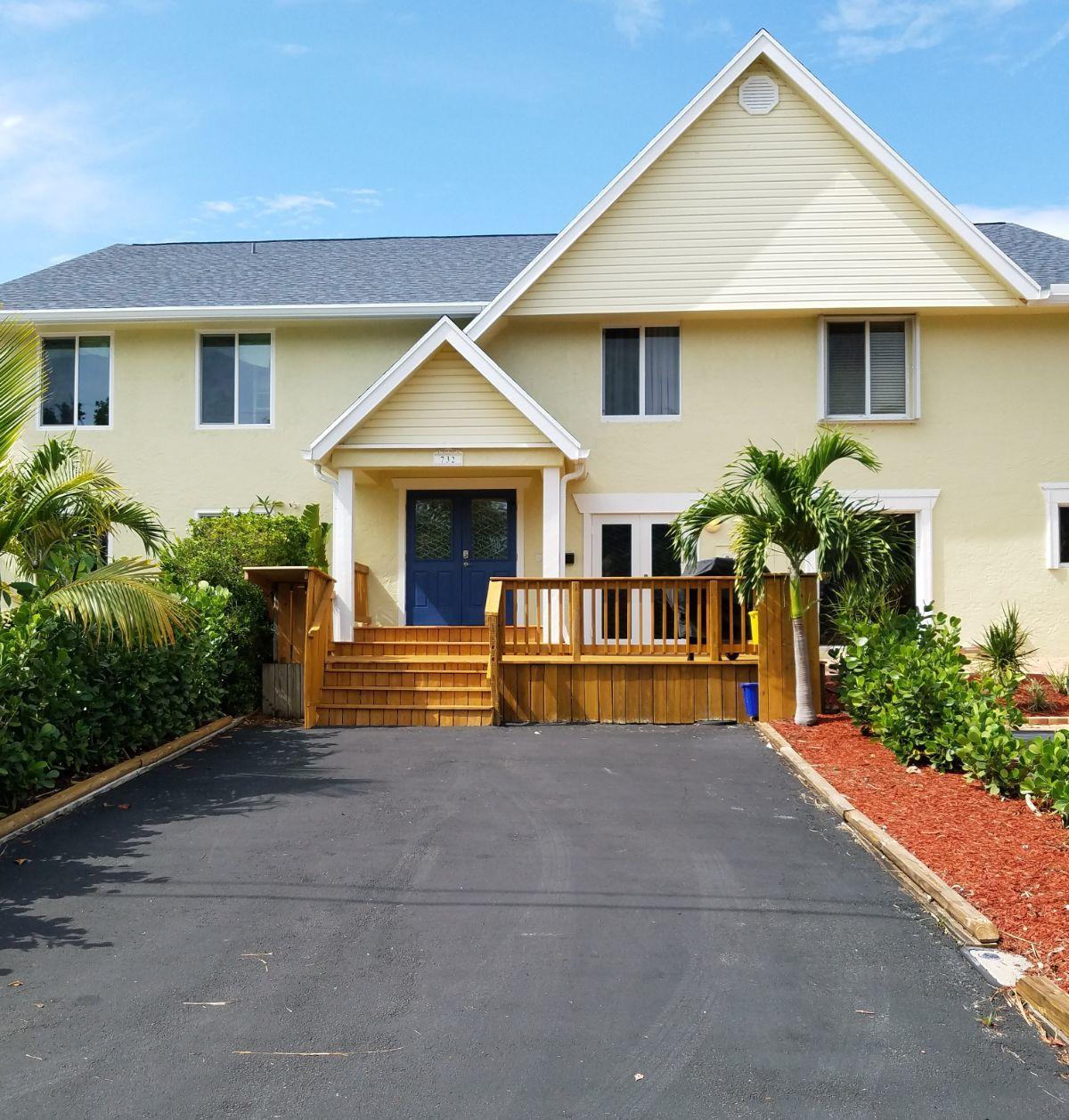 732 Rider Road, Boynton Beach, Florida 33435, 2 Bedrooms Bedrooms, ,2.1 BathroomsBathrooms,Townhouse,For Sale,Lake Vista,Rider,RX-10494529