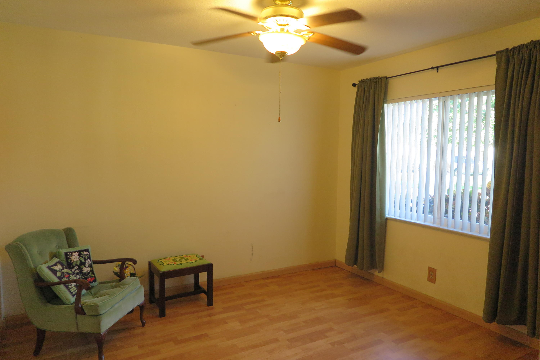 10621 NW 43 Street Coral Springs, FL 33065
