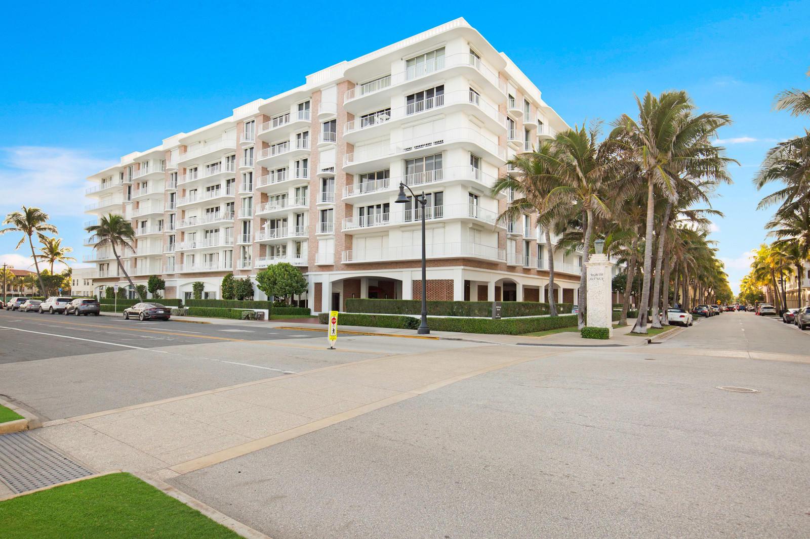 100 Worth Avenue, Palm Beach, Florida 33480, 2 Bedrooms Bedrooms, ,2 BathroomsBathrooms,Condo/Coop,For Sale,Worth,2,RX-10494636