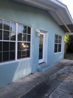 136 SE 24th Avenue, Boynton Beach, FL 33435