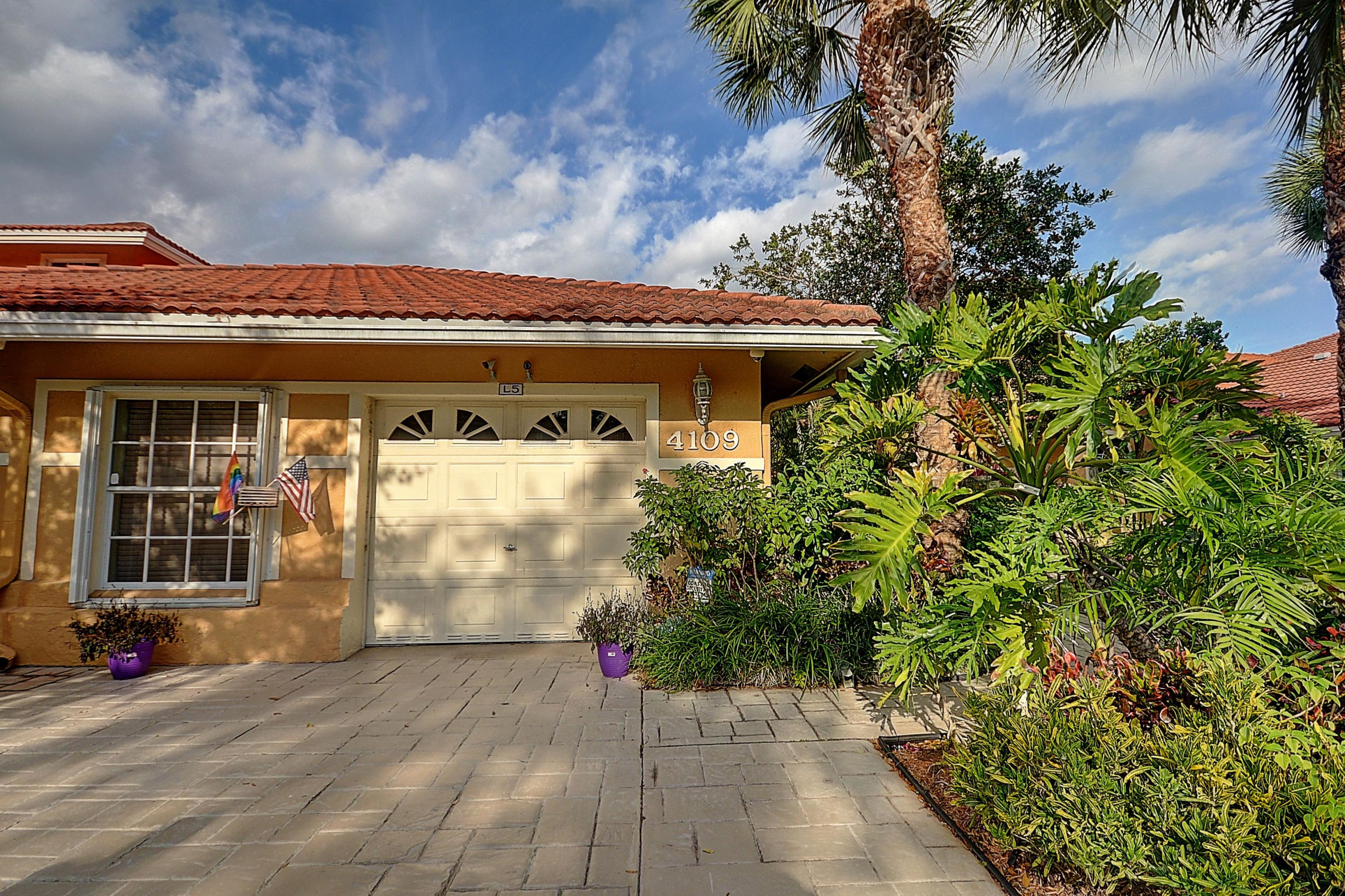 4109 Carriage Drive, Pompano Beach, Florida 33069, 3 Bedrooms Bedrooms, ,4 BathroomsBathrooms,Townhouse,For Sale,Carriage,1,RX-10495021
