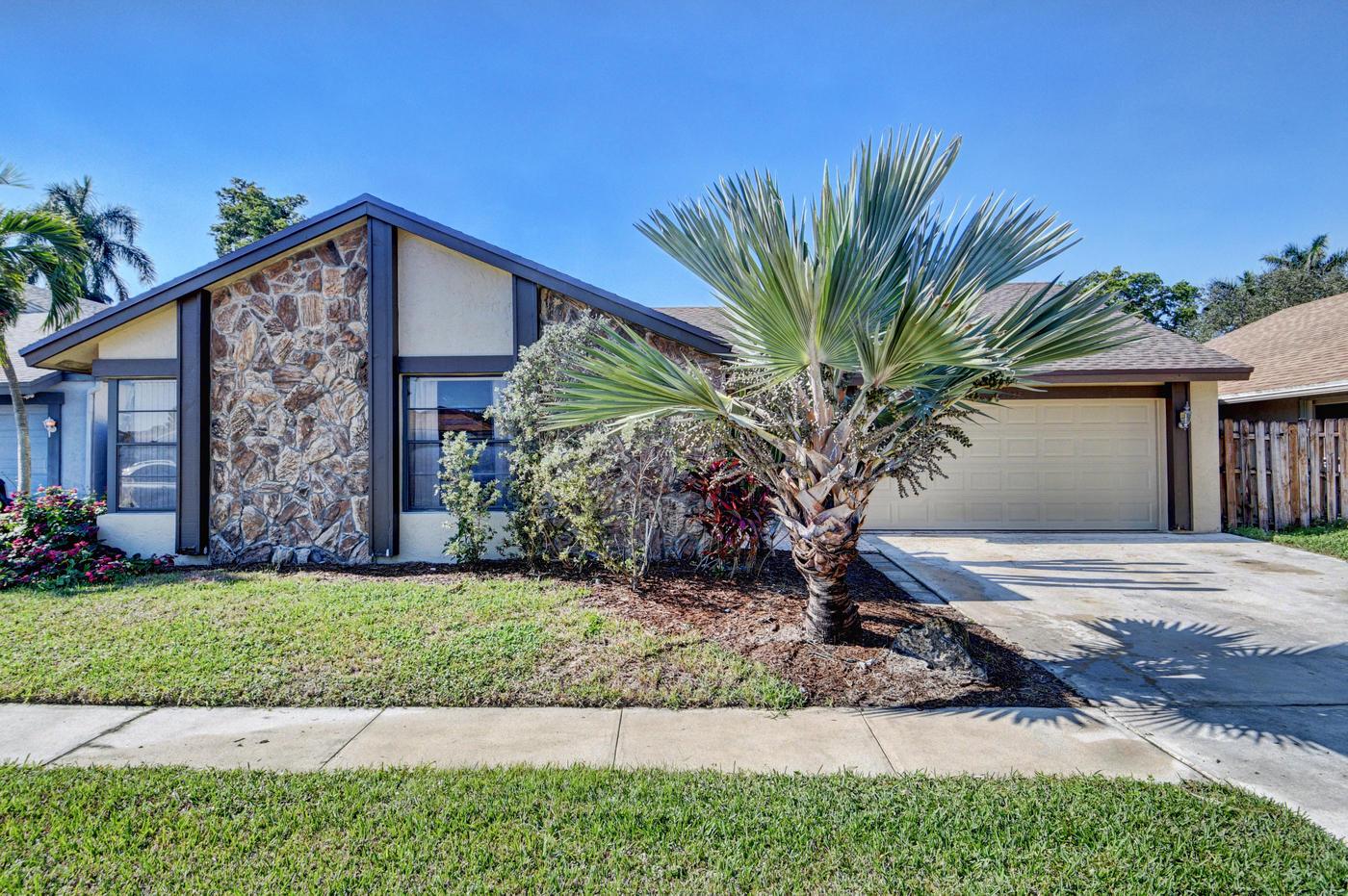 21332 Summertrace Circle Boca Raton, FL 33428